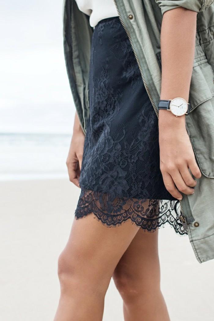 jupe-dentelle-detail-style-quotidien-avec-veste-sport-resized