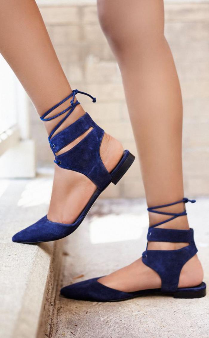 la-ballerine-belles-plates-en-velours-bleu-lacets