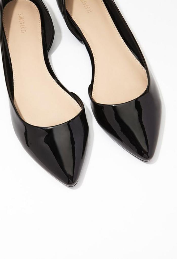 la-ballerine-escarpins-plates-fantastiques-laque-noire-et-bouts-pointus
