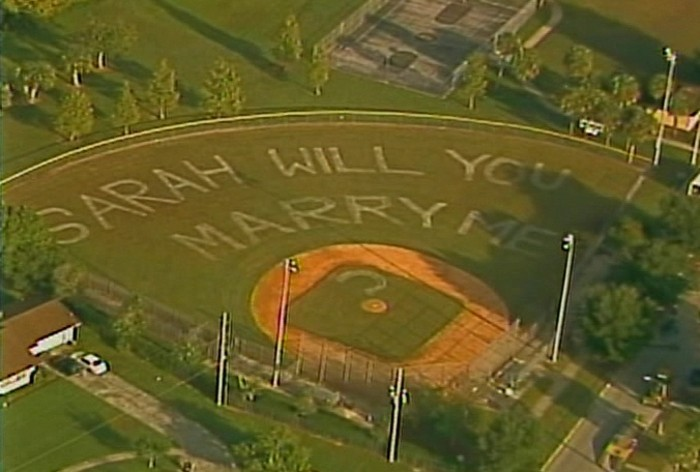 la-belle-demandes-en-mariage-dire-oui-à-lui-baseball