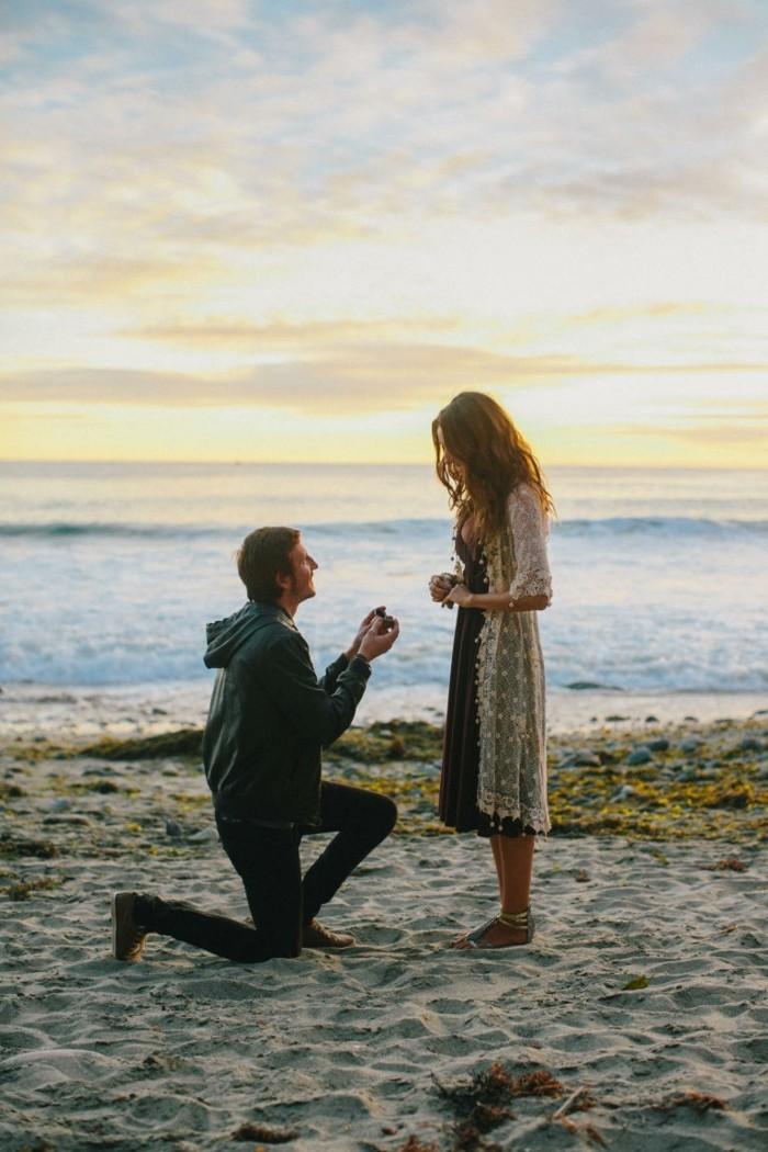 la-plus-belle-demande-en-mariage-cool-idée-gagner-au-bord-de-la-mer