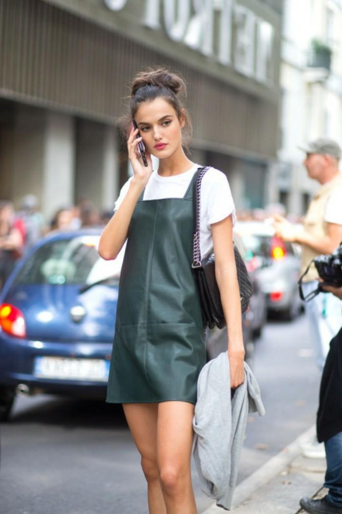la-robe-longue-zara-salopette-robe-cool-idée-tenue-blanc-t-shirt-et-vert-combinaison-robe