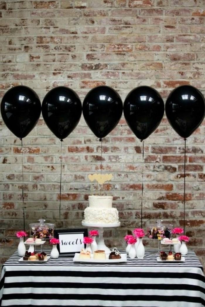 le-gateau-anniversaire-garcon-pique-nique-ou-à-la-maison-en-noir-et-blanc