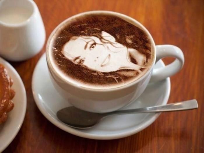 le-latte-macchiato-dolce-gusto-art-café-décoré-michel-jakson