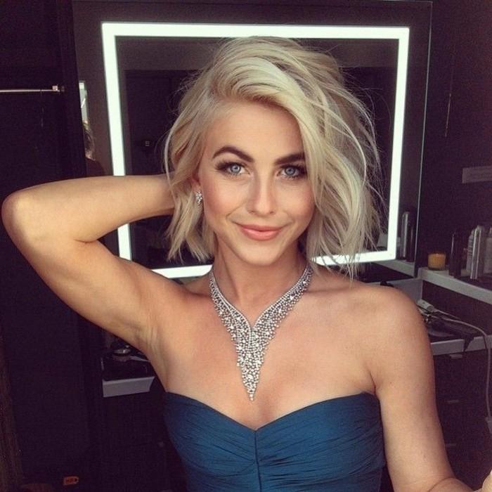 les-meilleures-coupes-de-cheveux-mi-longs-femme-blonde-jolie