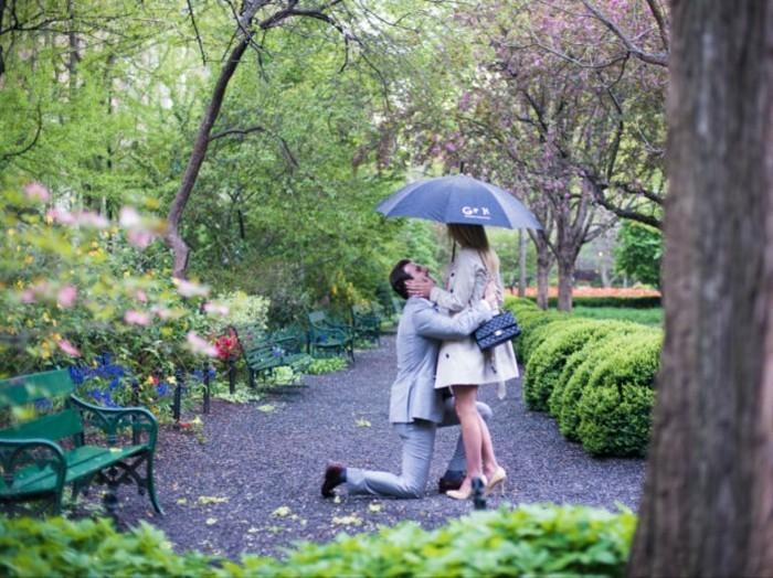 les-plus-belle-demandes-en-mariage-dire-oui-à-lui-au-vert