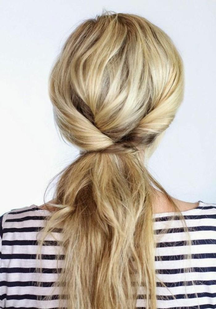 les-tendances-chez-les-coiffures-cheveux-longs-blonds-femme-coiffures-chic