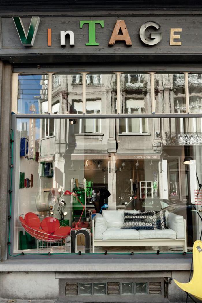 lettre-murale-vitrine-de-magasin-lettres-décoratives
