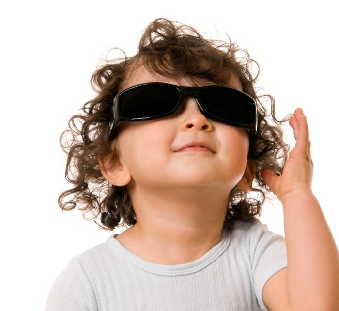lunettes-soleil-enfant-bonne-mine-et-comfortables