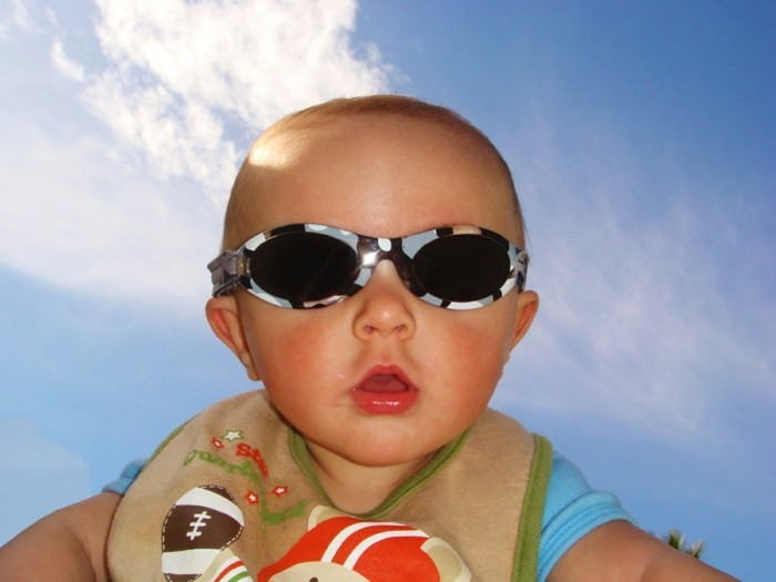 lunettes-soleil-enfant-camouflage-bebe-protection-soleil-resized