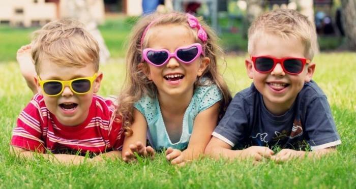 lunettes-soleil-enfant-gaiete-vie-au-max-resized