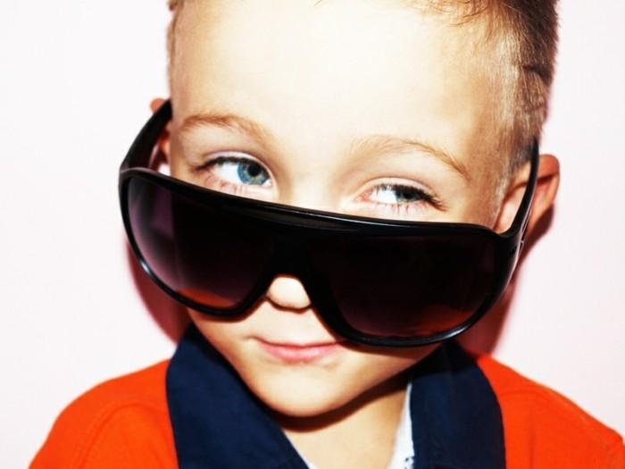 lunettes-soleil-enfant-malin-petit-diable-souriant-resized