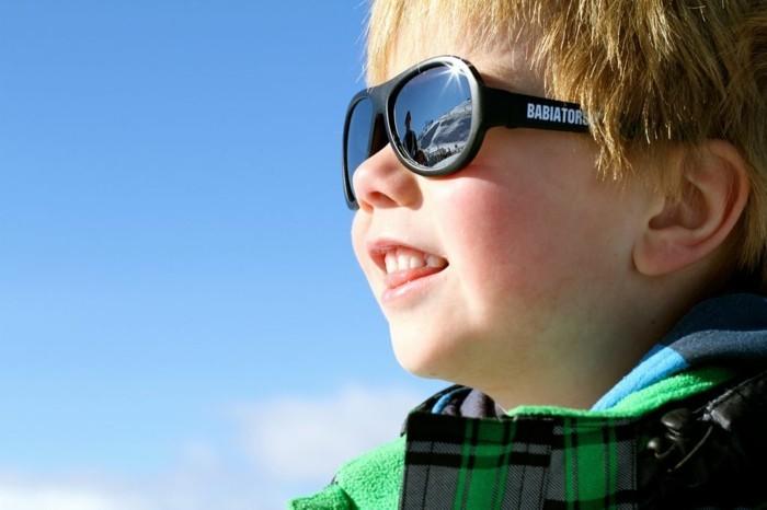 lunettes-soleil-enfant-protection-maximale-forte-lumiere-resized