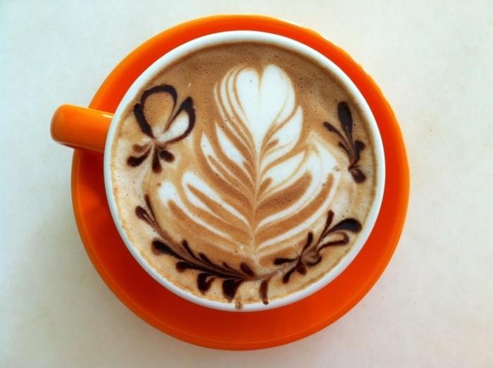 machine-a-cappuccino-belle-idée-coloré-mignonne