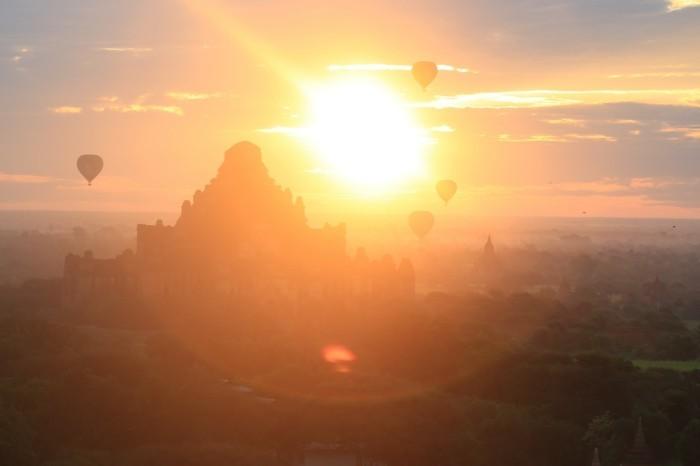 magnifique-photo-lever-de-soleil-heure-levé-du-soleil-ballons