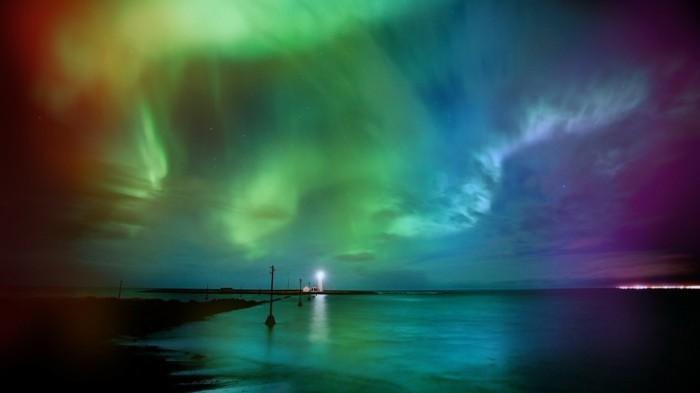 magnifiques-couleurs-pollution-lumineuse-ciel-du-jour-nuit-beauté