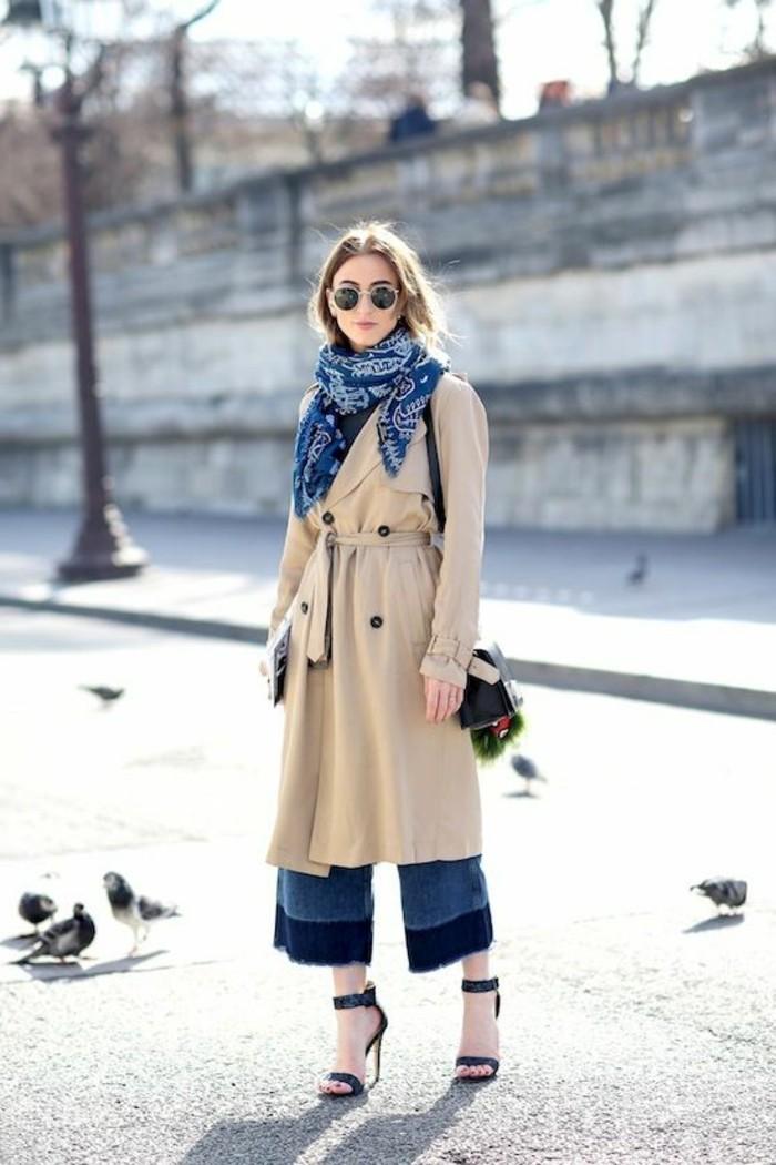 manteau-long-beige-femme-denim-sandales-noires-femme-ete