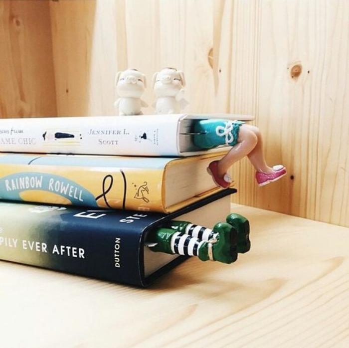 marque-page-original-jambes-idées-folles-pour-marquer-les-pages-du-livre