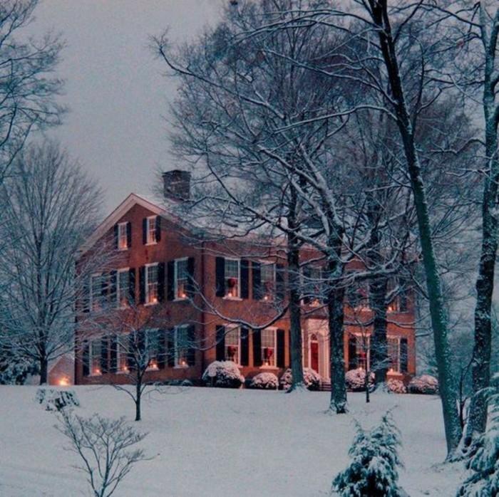 meuble-colonial-formidable-maison-classique-hiver