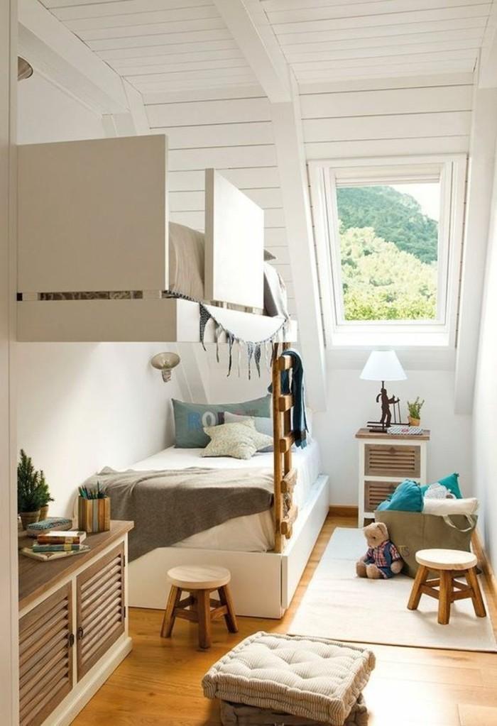 meubles-beiges-sol-en-parquet-clair-meubles-pour-chambre-sous-pente-chambre-d-enfant