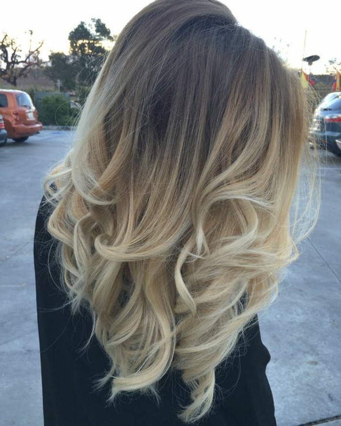 Meche blonde sur cheveux mi long
