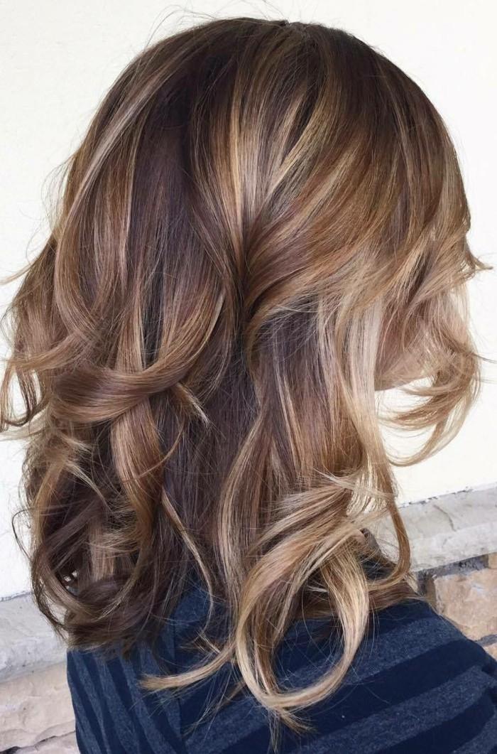 notre-idée-balayage-coiffure-balayage-miel-sur-brune