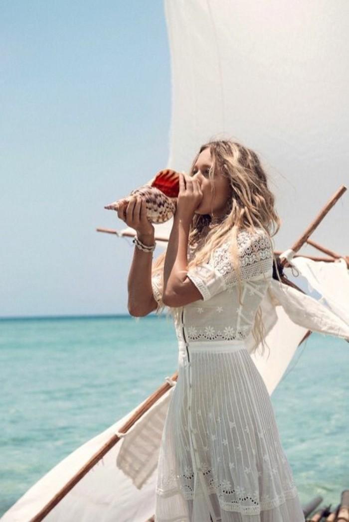 notre-robe-plage-femme-style-bohème-chic-originale-belle-sur-yachte