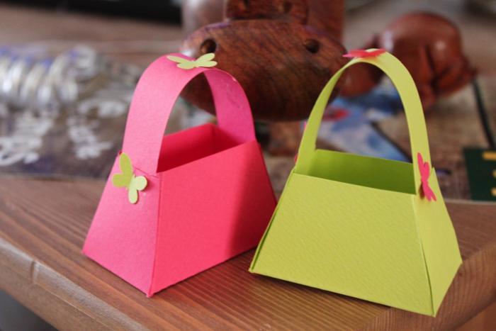 panier-de-paques-décoration-de-table-petites-corbeilles-pour-les-oeufs-de-paques