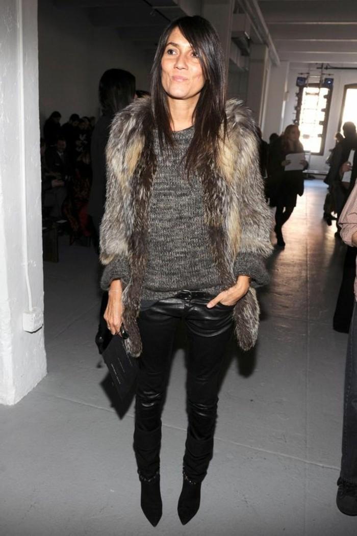 pantalon-en-cuir-noir-blouse-grise-comment-porter-le-veste-sans-manches