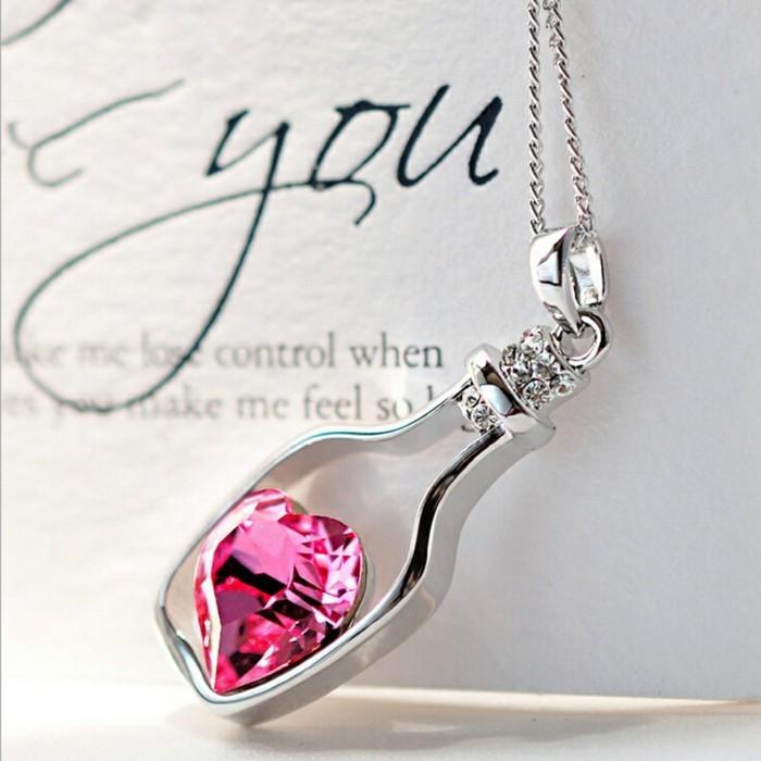 pendentif-argent-bouteille-avec-pierre-rose-resized