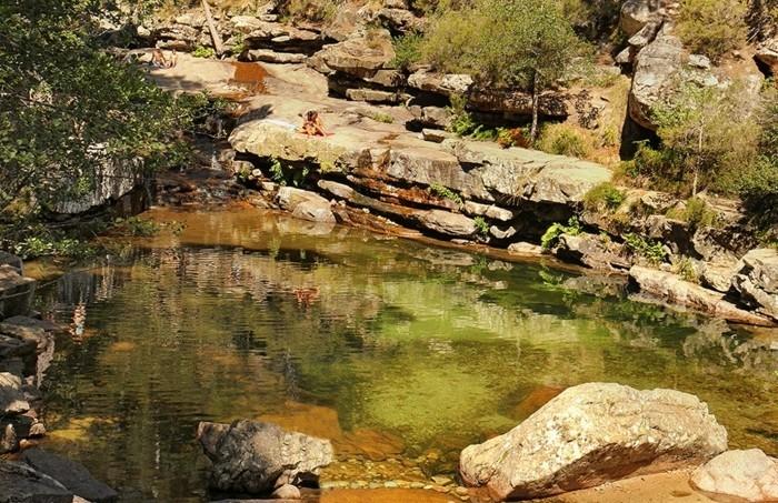piscine-naturelle-piscine-naturelle-corse-piscines-naturelles