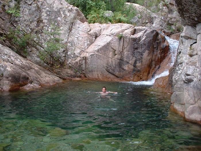 Vous voulez profiter d 39 une piscine naturelle ces photos for Camping corse bastia avec piscine