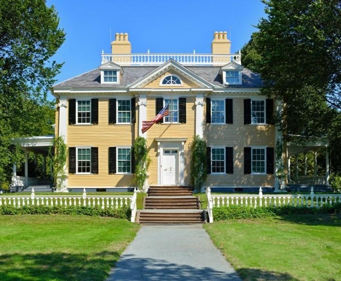 plan-maison-coloniale-design-intérieur-et-extérieur-jaune