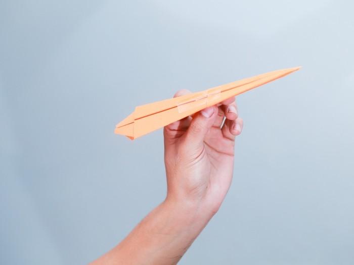 pliage-papier-avion-en-papier-comment-faire-un-avion-en-papier
