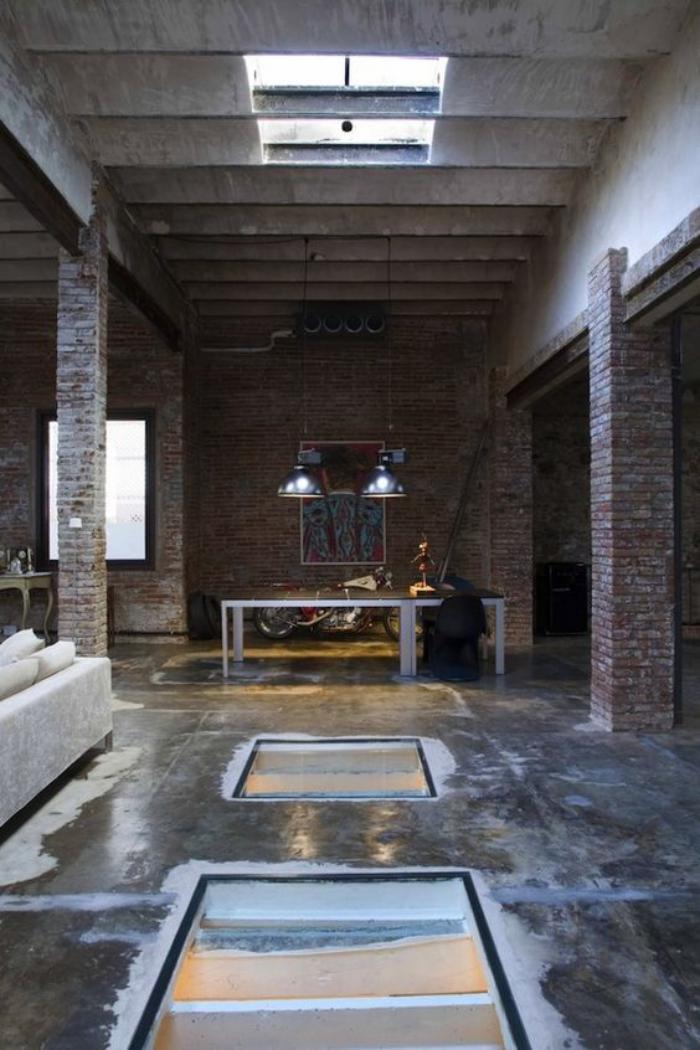 puits-de-lumière-dans-un-loft-bohémien-briques-et-béton