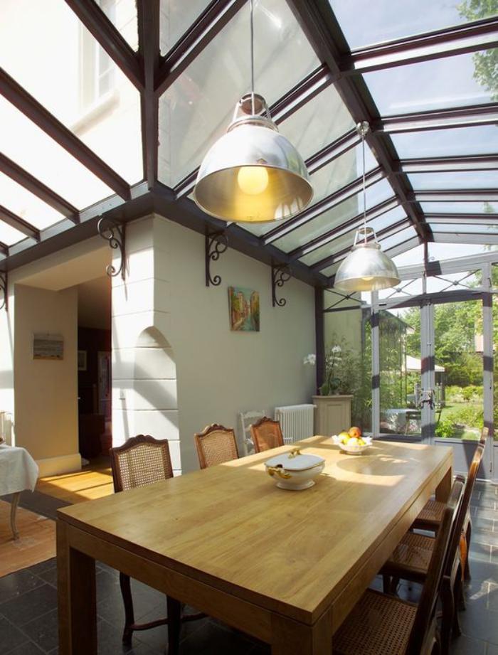 Utiliser le puits de lumi re pour transformer son for Maison toit en verre