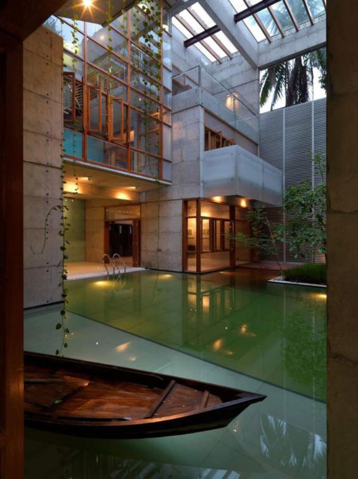 puits-de-lumière-intérieur-génial-avec-verrières-et-piscine ...