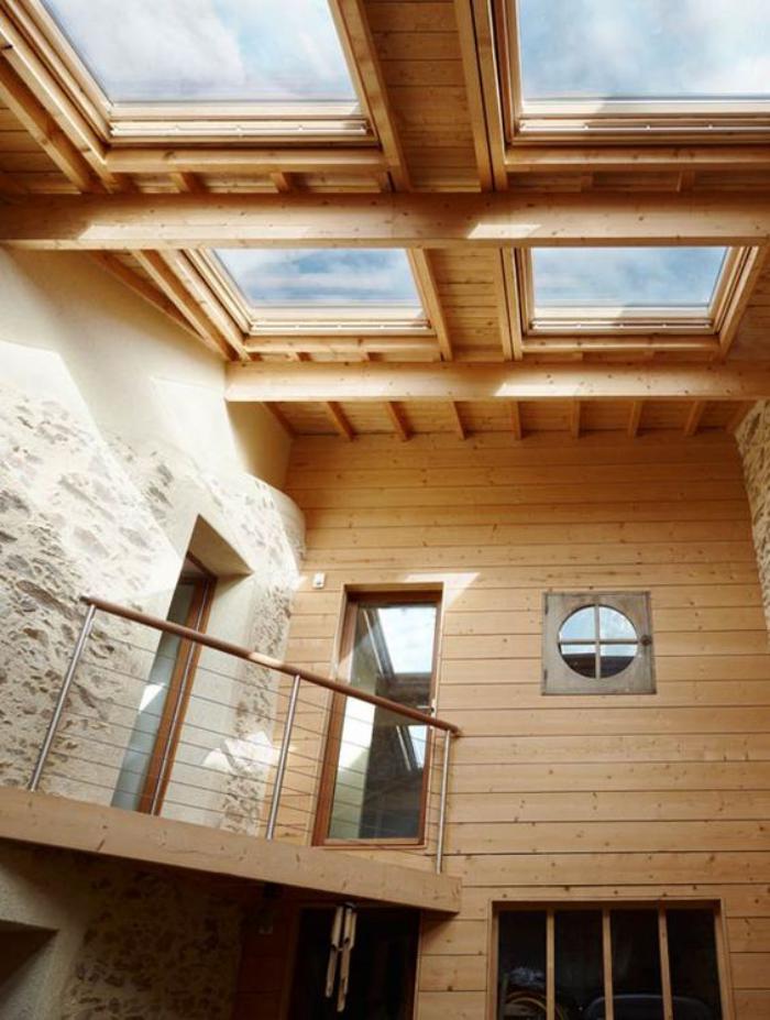 puits-de-lumière-intérieur-style-chalet