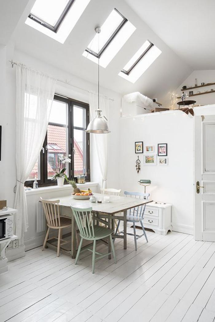 puits-de-lumière-trois-fenêtres-de-toit-cuisine-scandinave