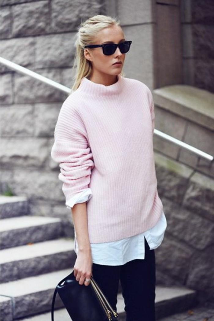 pull-rose-pâle-mode-femme-pour-2016-denim-noir-sac-a-main-en-cuir-noir-fille-blonde