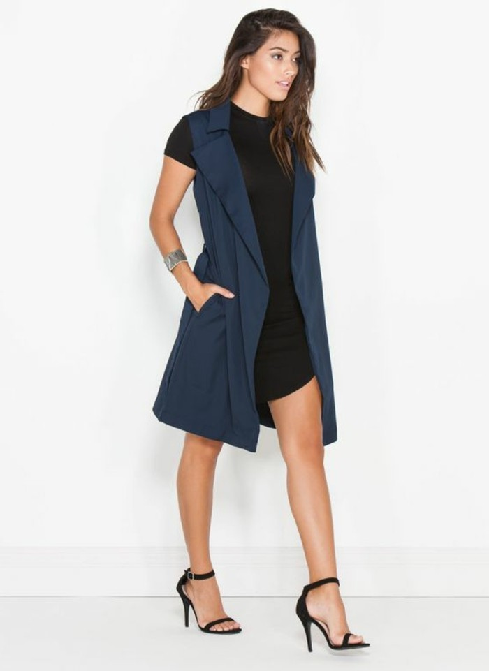 quoi-porter-quotidiennement-veste-légère-femme-stylée-en-bleu