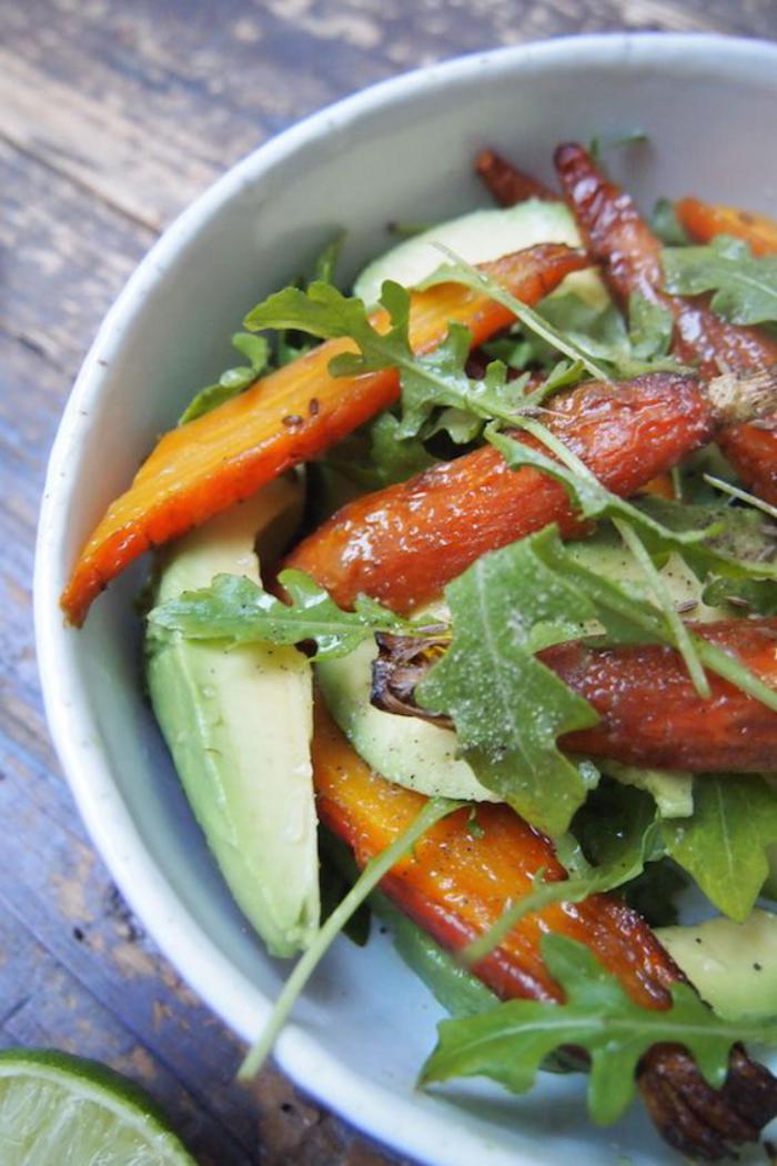 repas-diététique-carottes-et-avocat