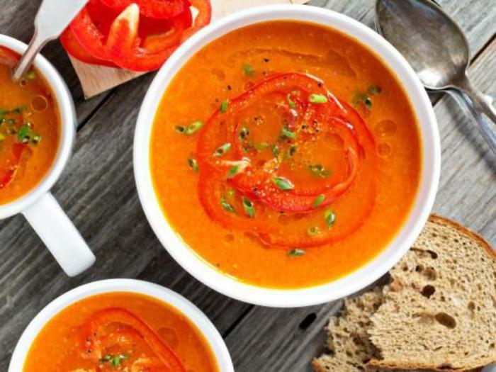 repas-diététique-meilleur-repas-détoxe-soupe-aux-poivrons