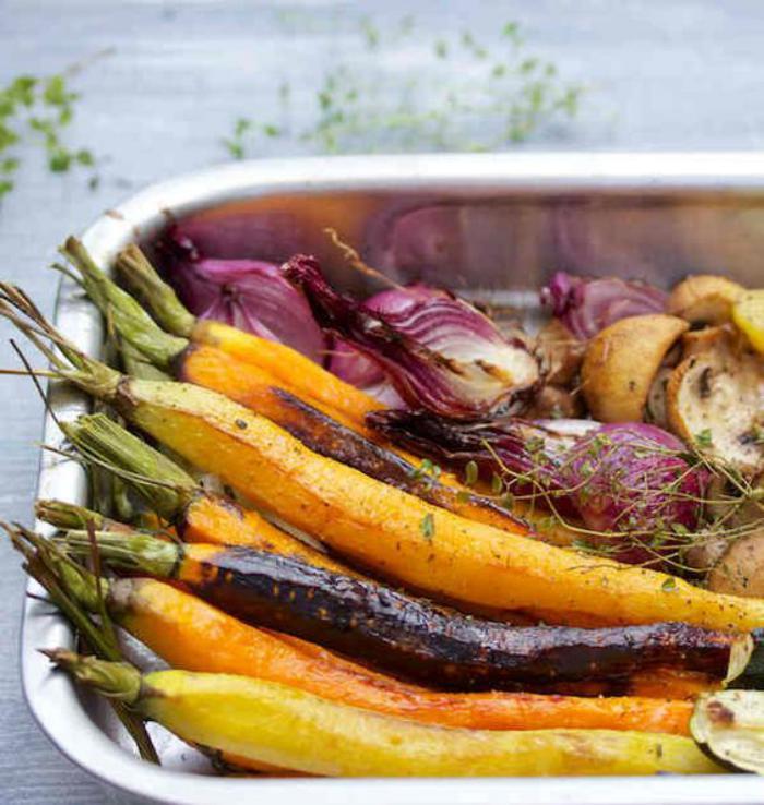 repas-diététique-préparer-des-légumes-rotis-comme-déjeuner