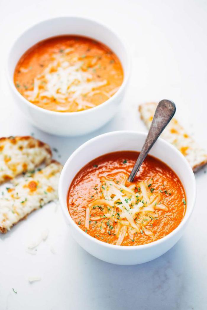 repas-diététique-soupe-crémeuse-repas-délicieux-et-détoxicant