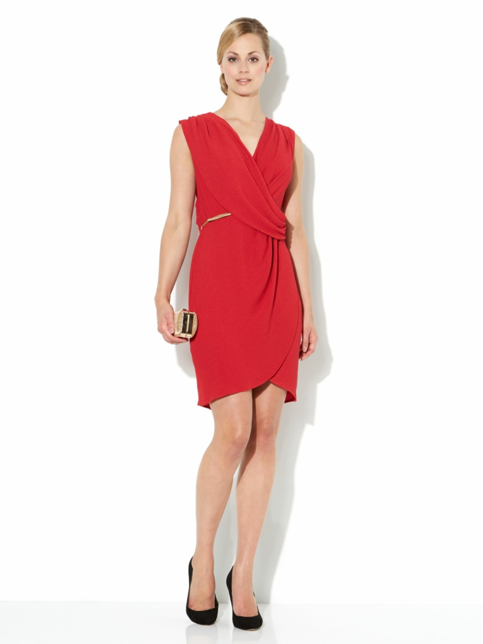 robe-portefeuille-femme-style-statue-grecque-resized