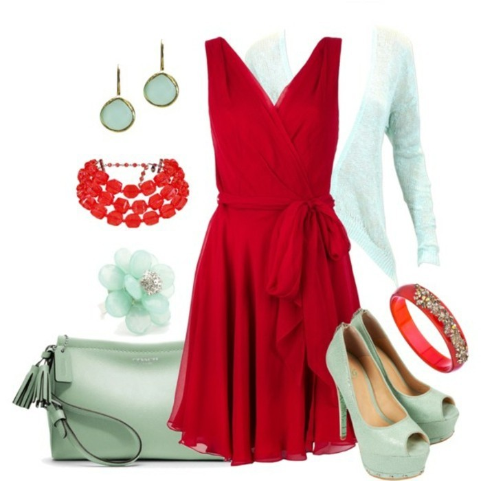 robe-portefeuille-rouge-avec-des-accessoires-assortis-resized