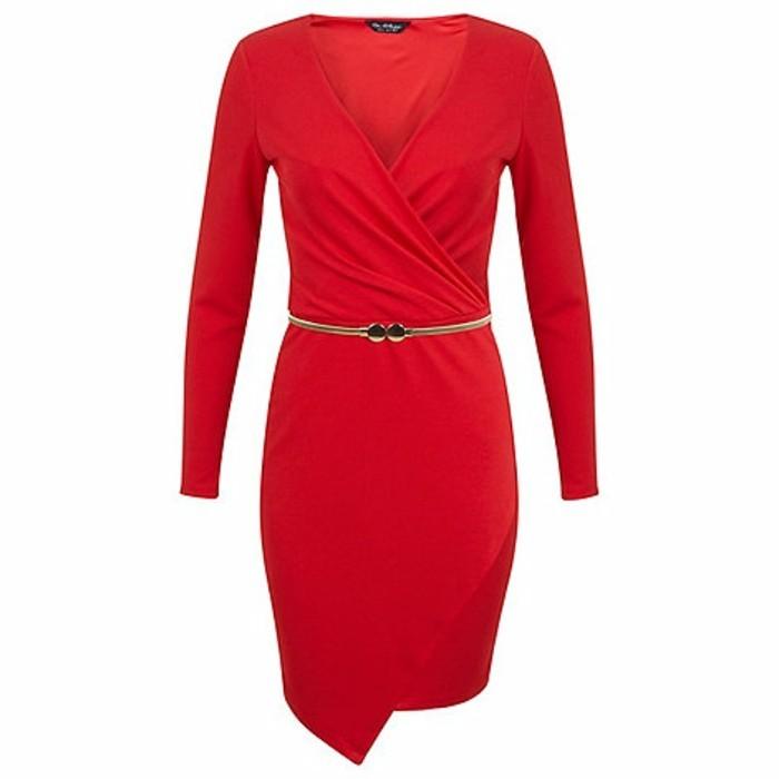 robe-portefeuille-rouge-ceinture-elements-metalliques-resized