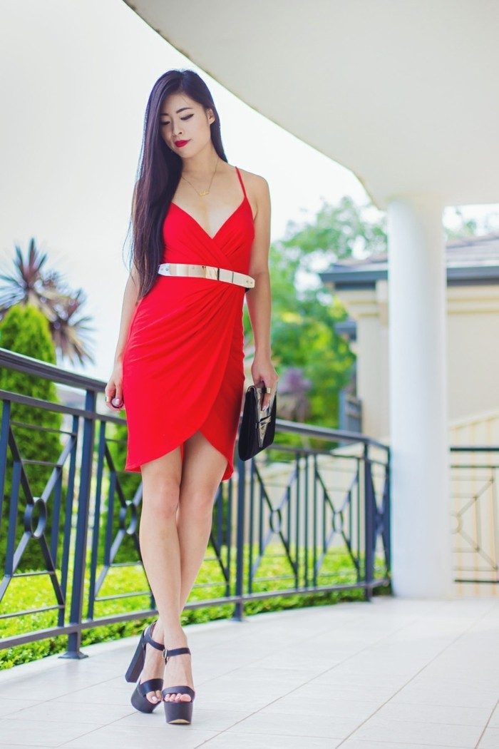 robe-portefeuille-rouge-evenements-et-soirees-resized
