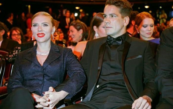 scarlet-johanson-et-romain-dauraic-les-plus-scandaleuses-couples-amour